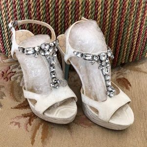 Betsey Johnson bejeweled size 8 sandal New